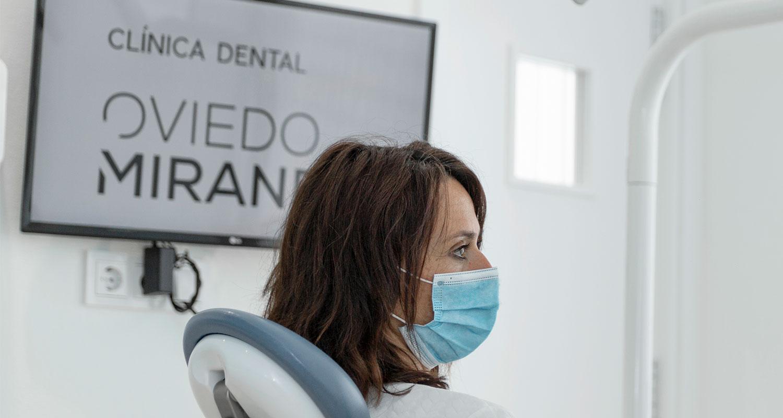Especialista en periodoncia en Playa Honda